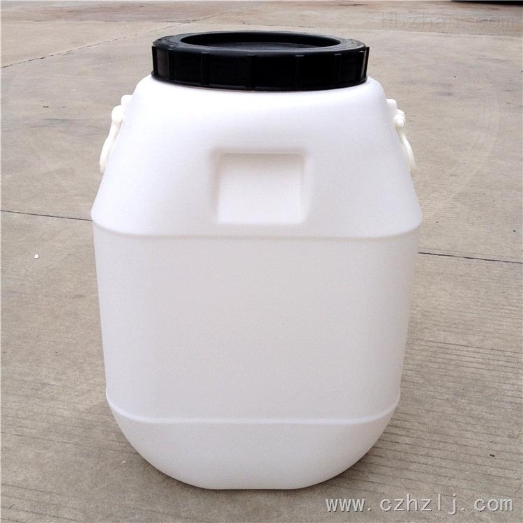 中山50L塑料桶批发价格 50公斤塑料桶生产厂家 常州市恒尊塑料制品有限公司专业生产供应塑料桶,化工桶,塑料包装桶。大小型号有:5L/10L/20L/25L/50L 每种容量规格有不同的形状和颜色,可根据需要和喜好选择。我公司还可以根据客户的需要开模具定做不同尺寸的塑料桶。 化工桶都是采用进口的HDPE原料,一次吹塑成型。具有卫生轻便、紧固耐腐蚀、耐震耐撞击、防紫外线不易老化等特点。常用颜色有白、蓝等可根据要求定做! 主要用于水处理、环保、电子、化工、食品、医药、建筑等行业。 【产品性能】:无毒无味,防潮