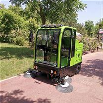 宏瑞达驾驶式扫地车