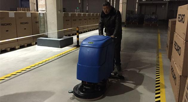 青岛瑞凯威原来采购是国外进口的洗地机