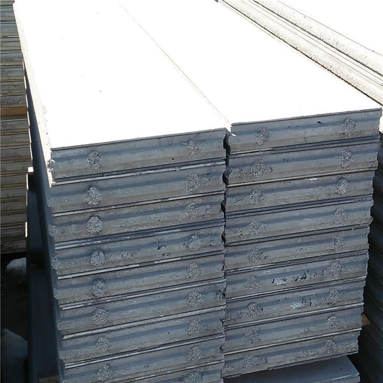 轻质隔墙板的主要结构是由硅酸钙板当做面板,中间采用聚酯颗粒水泥